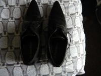 1pr mens winklepicker shoes size 8 in black worn once