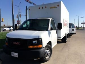 2011 GMC Savana 3500 UNICELL CUBE WITH RAMP !!