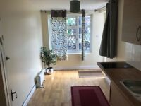 Stunning studio available in Hemel Hempstead. Recently refurbished. All bills included