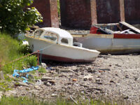 small project boat in need of TLc but saveable
