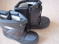 Snow Fun Tie Front Snow Boot with Embroidered Design - Size UK2/Eur 35