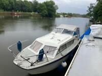 Seamaster 813 river cruiser boat