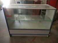 RETAIL SHOP DISPLAY COUNTER FOR SALE GLASS FRON & TOP URGENT SALE