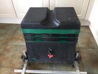 WATERCRAFT FISHING BOX
