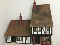 DOLLS HOUSE - BESPOKE DESIGN