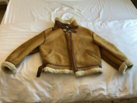 Women's (unisex) leather/sheep skin jacket. Vintage. Size large.