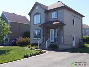 320 000$ - Maison 2 étages à vendre à McMasterville