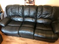 BLACK LEATHER 3 and 2 recliner, vgc needs go today •••••••••