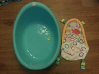 'Rinse 'n Grow' Bath Tub Fisher Price for Newborn and Baby (0-6 months) up to 25 lbs.