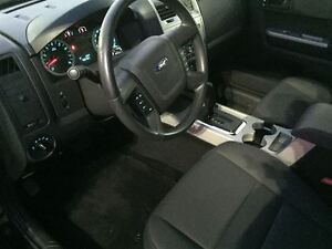 2010 Ford Escape XLT London Ontario image 9