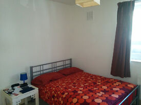 Large double room in flat share