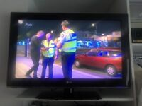 LG 32 inch LCD HD tv with Freeview
