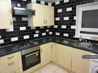 5 bedroom flat in Patrick Connolly Gardens, London, E3 (5 bed) (#1121344)