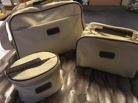 Set of 3 new travel bags.