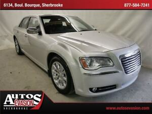 2012 Chrysler 300 Limited 3.6L + CUIR + TOIT PANORAMIQUE + MAGS