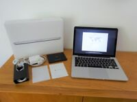 IMMACULATE MacBook Pro (Retina, 13-inch, Early 2015) with Slip Case