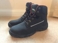 Brand New Size 9-Workwear Safety boots-Ankle support-Steel toe cap and midsole-Padded collar&tongue
