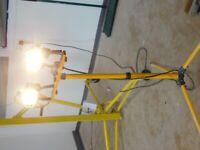 Tripod Twin Head Telescopic Work Light