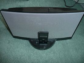 Bose sounddock and 8gb IPod