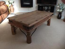Oak coffee/lounge table