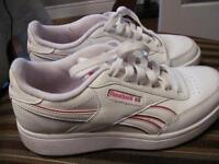 Reebok youth size 3 running shoes  $10