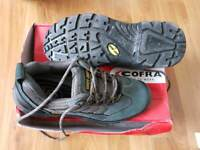 Cofra safety trainers size 42 unused