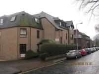 Large, unfurnished 2 bedroom flat in prime location - Roseangle Dundee