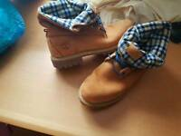 *** Mens RARE Timberland boots size 10.5, very expensive ***