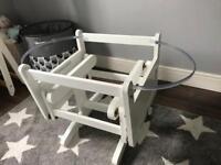 White Moses basket and noah pod Glider