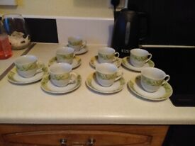 8 ROYAL COLLECTION TEA CUPS AND SAUCERS