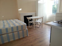 013M-BOUNDS GREEN-MODERN DOUBLE STUDIO FLAT, FULLY FURNISHED,BILLS INCLUDED EXCEPT ELECTRICITY-£150W