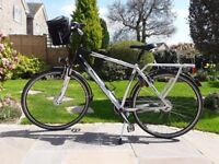 Mens hybrid commuter bicycle