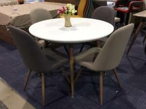 Small 5 PC Kitchen Table on Sale (SK15)