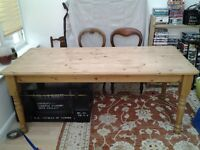 Pine dining table. Good condition