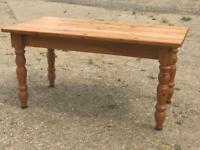 Pine 4ft 6 dining table