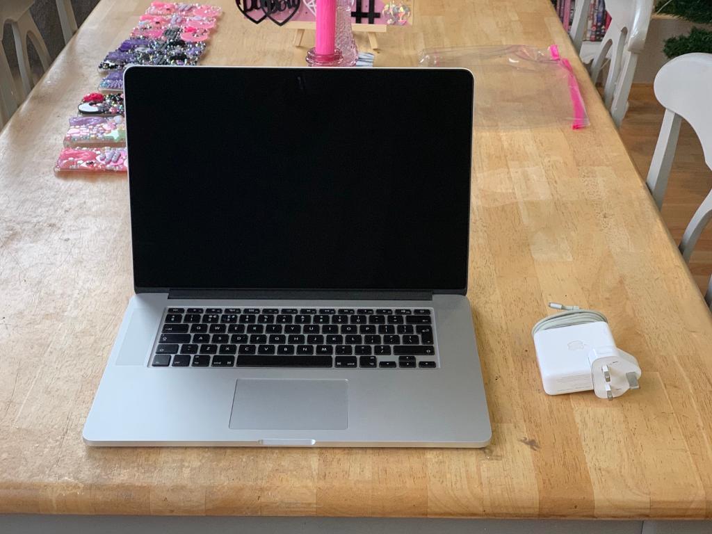macbook pro 2gb graphics card