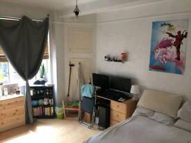 Large En-suite In Marble Arch