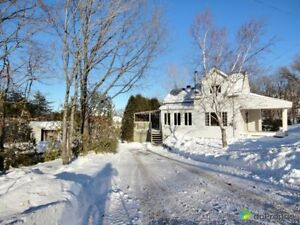 235 500$ - Maison à un étage et demi à vendre à Lévis