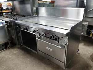 5 FT THERMOSTAT CONTROLLED GARLAND GRIDDLE WITH OVEN AND STORAGE