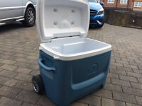 Igloo 55 litre coolbox on wheels