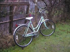 ladies vintage 3 speed bike,emmelle 20 in frame,very tidy,runs well