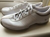 Women's golf shoes size 5