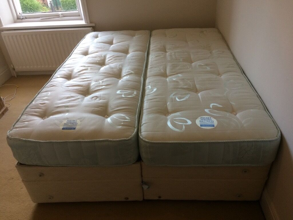 2 Single Beds Dunlopillo Twin Divan Single Beds Can Be Joined To Make Double Bed As New In