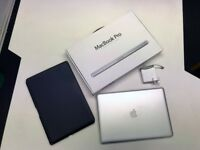 2011 MacBook Pro 17inch Intel i7 2.4GHz, DVD drive, FaceTime, with original box charge and case.