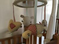 Mamas and Papas wind up cot mobile