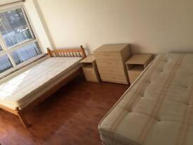 —-Huge Twin/Double Room in Big House—- Hammersmith—-