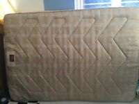 **BEAUTIFUL AND CLEAN DOUBLE BED MATTRESS**