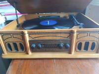 Vinyl player, Record Player With AM /FM Radio - Retro Look