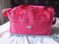 New pink holdall