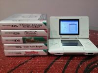 Nintendo DS in white with games
